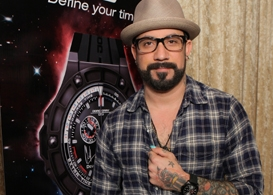 red carpet events la grammy gift lounge: backstreet boy aj mclean, pussycat doll kaya jones, & more!