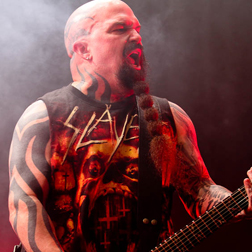 SLAYER DESTROYS HOLLYWOOD PALLADIUM