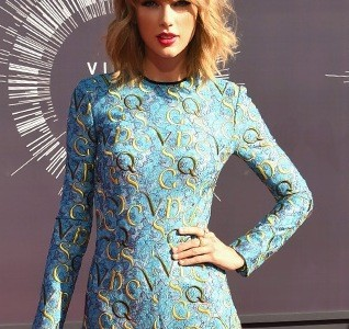 TaylorSwift_VMAs2014
