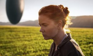 Amy Adams gives a stellar, Oscar-worthy performance in Arrival.